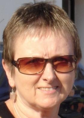 Author pic (371x500)