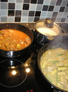 Looking good! Left ~ Chicken Massaman; top right ~ sticky rice; bottom right ~ Thai green curry (with extra chillis)