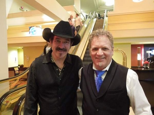 Cameron with Kix Brooks (formerly of the multi award winning duo Brooks & Dunn). Photo courtesy of Cameron Tilbury, with thanks.