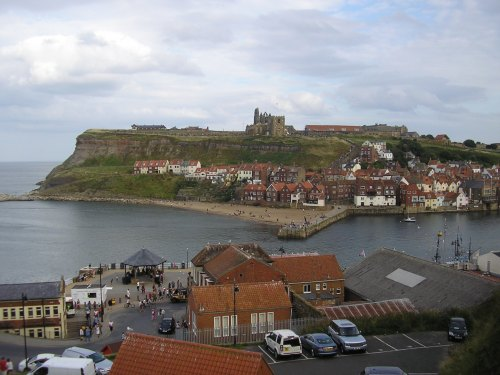 View over Whitby, with the old Abbey dominating the headland. Bram Stoker would have been proud, although Dracula was mercifully absent in broad daylight! ;-)