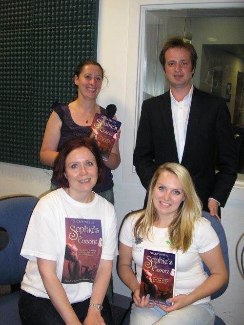 In-Show Photo: Hannah Sylvester, Ed Wellman, Holly Cox (and me, of course). :-)