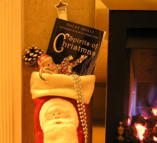 The ULTIMATE Stocking Filler! Go on, treat someone. Or better still ~ treat your Kindle! :-)