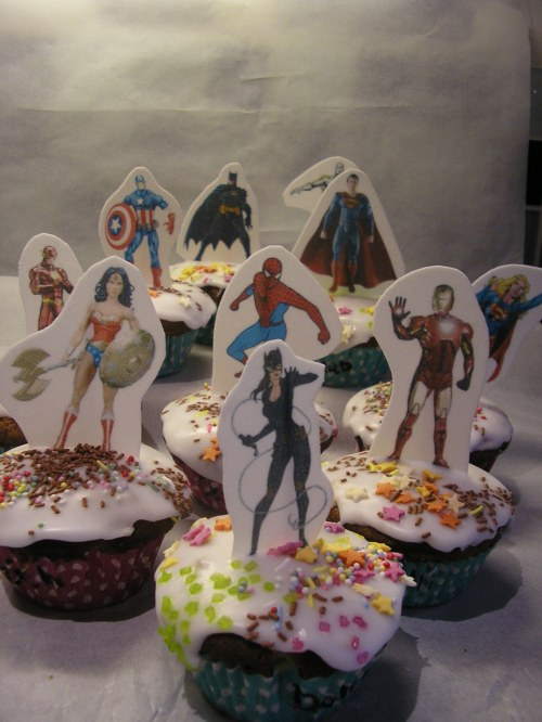 Superhero cupcakes for a superhero ninth birthday party!